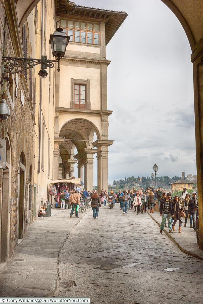 Strolling along the Lungarno Anna Maria Luisa de' Medici, Florence, Tuscany, Italy