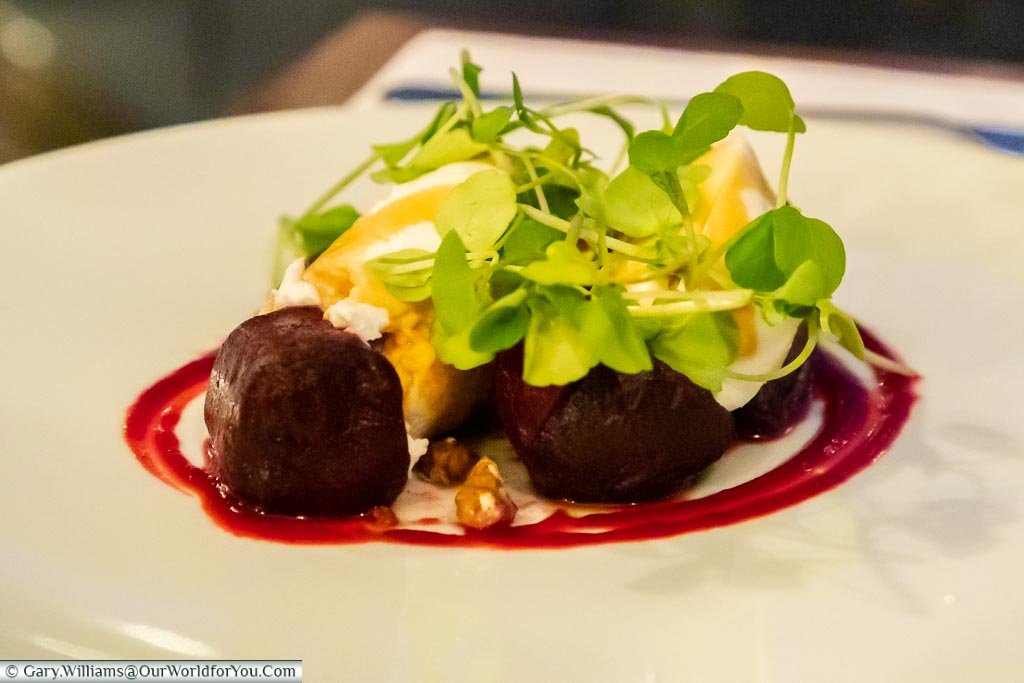 Janis's starter of Goat's cheese and beetroot, with the walnut and balsamic honey dressing salad.