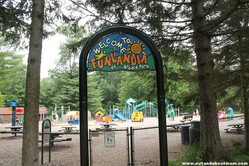 Brodie Park Playground_Out and About Mom_Things to do with kids in Connecticut, New Hartford_1