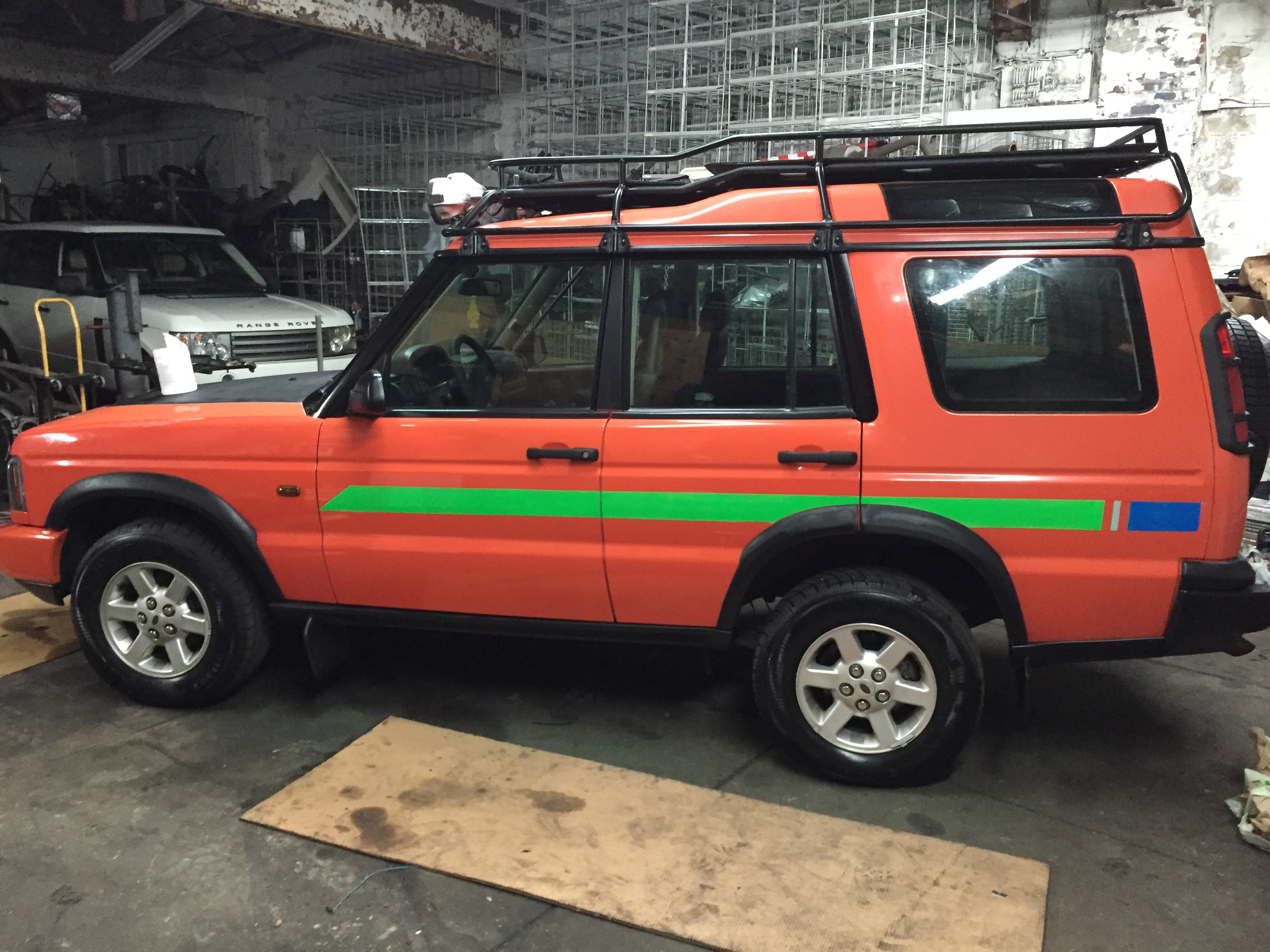 2003 Land Rover Discovery 2 G4 Challenge Edition – Outback Garage