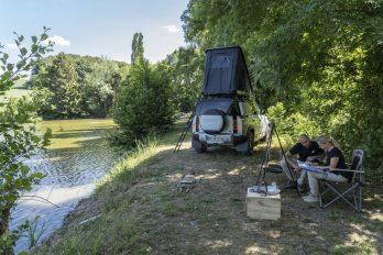 02_Land-Rover-en-Autohome-ontwikkelen-robuuste-daktent-voor-nieuwe-Defender-110