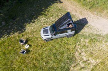 05_Land-Rover-en-Autohome-ontwikkelen-robuuste-daktent-voor-nieuwe-Defender-110