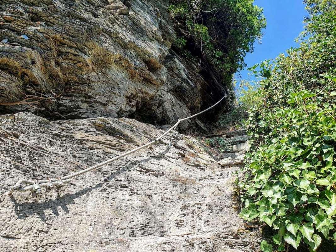 Kabels maken het klimmen makkelijker. Foto: Herman van Alfen