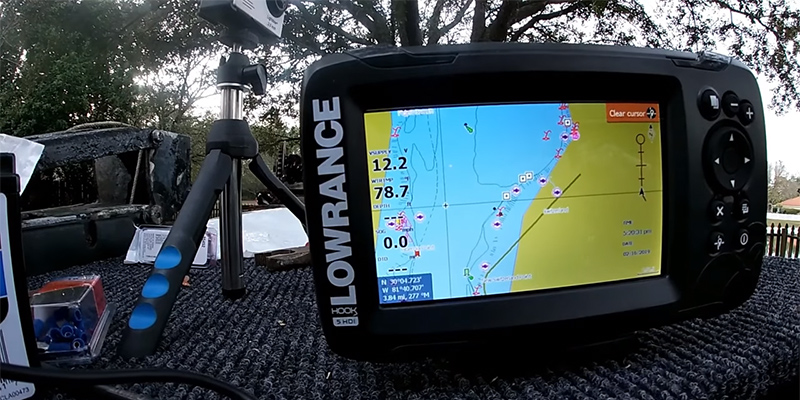 Lowrance HOOK2 5 - 5-inch Fish Finder with TripleShot Transducer
