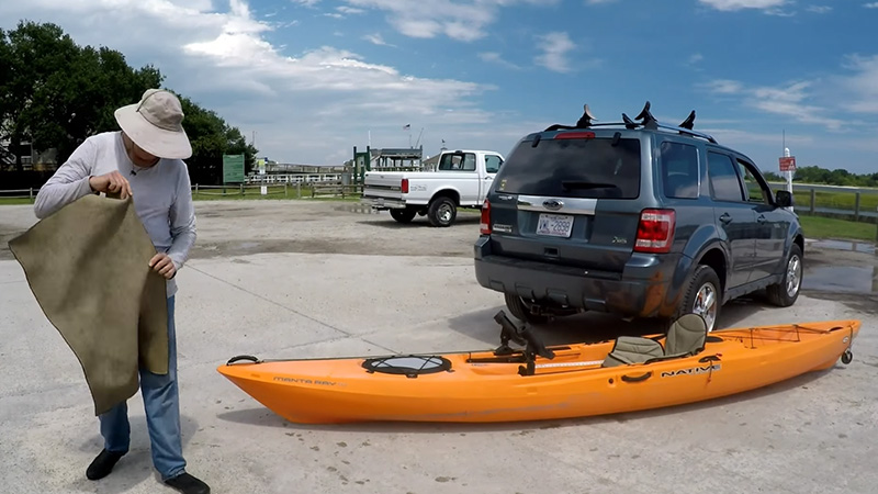 How To Load A Kayak Onto An SUV Without Scratching