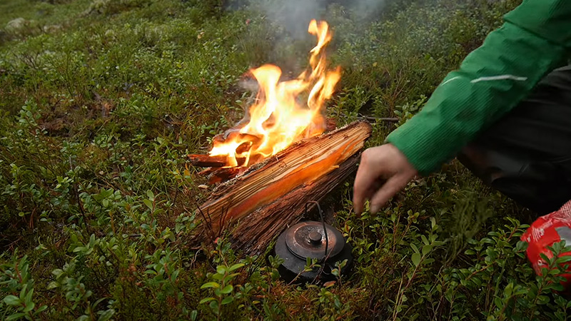 Safety Guidelines Of Using Tarp Over Campfire