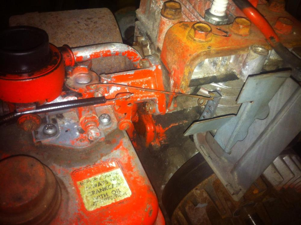 medium resolution of i was wondering if any one has a photo or two of the throttle linkage for a 2 5hp briggs and stratton i have just bought a scott bonnar 45 that