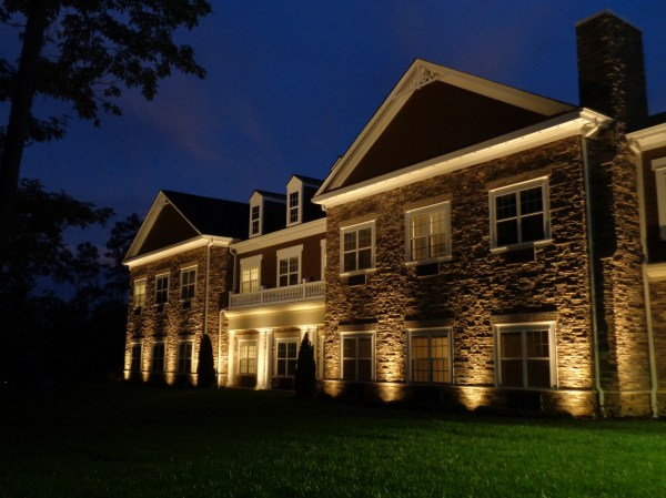 Design Outdoor Lighting Expressions