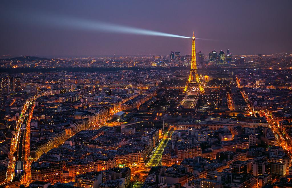 HDR example - Paris skyline