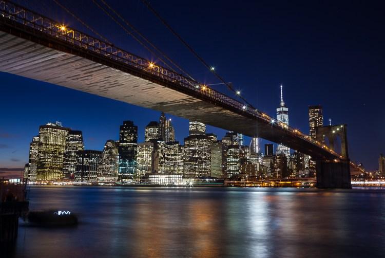 Brooklyn-Bridge-2016-01-27-red
