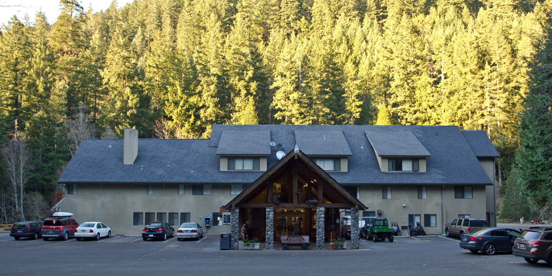 Belknap Hot Springs Resort - Lodging In Oregon