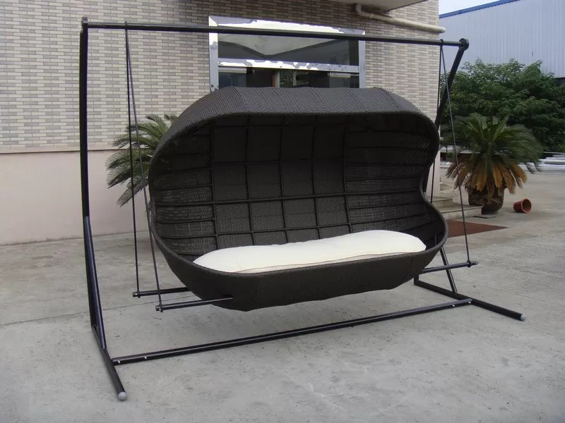 Luxury Fashion 2 Seat Poly Rattan Swing Chair For Beach Office