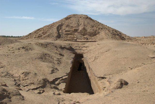 1474885139-4131-Barkal-North-Sudan.-640x429
