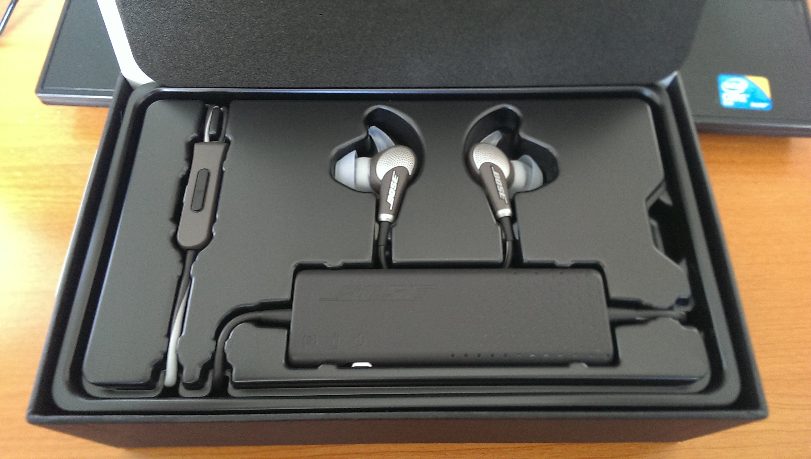 6dad7263180 Bose QuietComfort 20 Acoustic Noise Cancelling Headphones Review