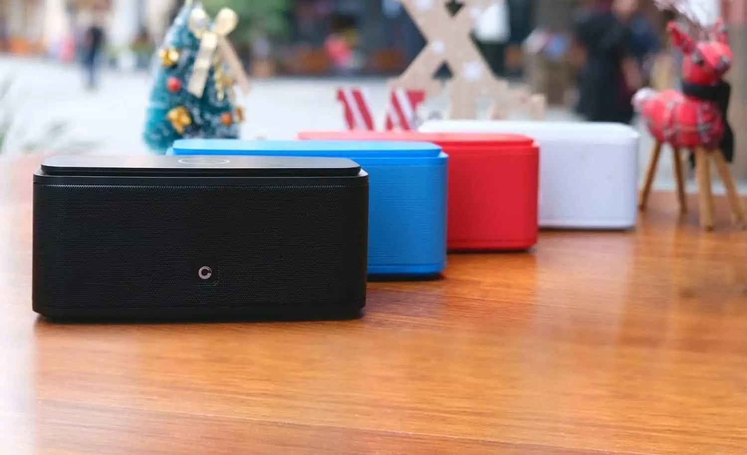 4a90fd4cefe48d The 12 Loudest Bluetooth Speakers of 2019 - Outeraudio