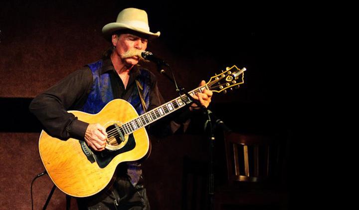 Outer Banks live music - Mojo Collins