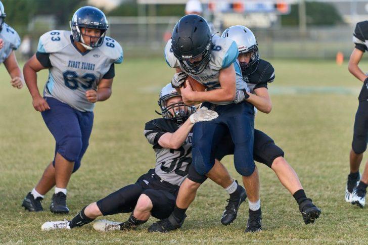 Seahawks football capture big win over Bulldogs 40-28