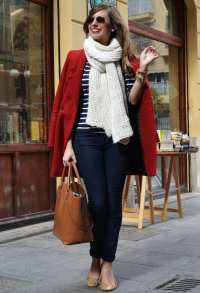 Outfits with Scarves-18 Chic Ways to Wear Scarves for Girls