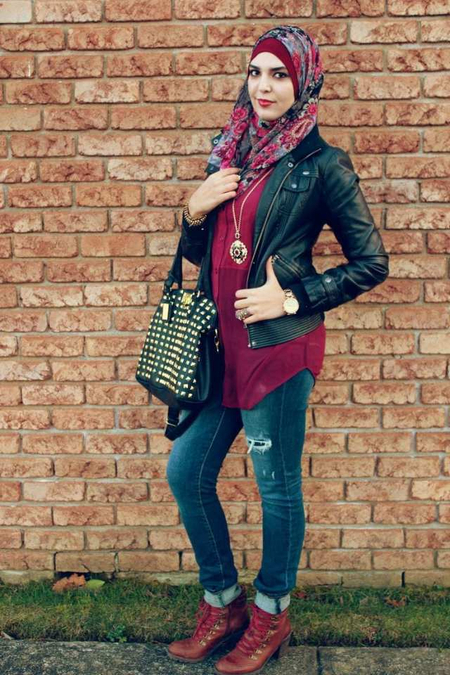 Modern Girl hijjab with leather jacket and borwn shoes