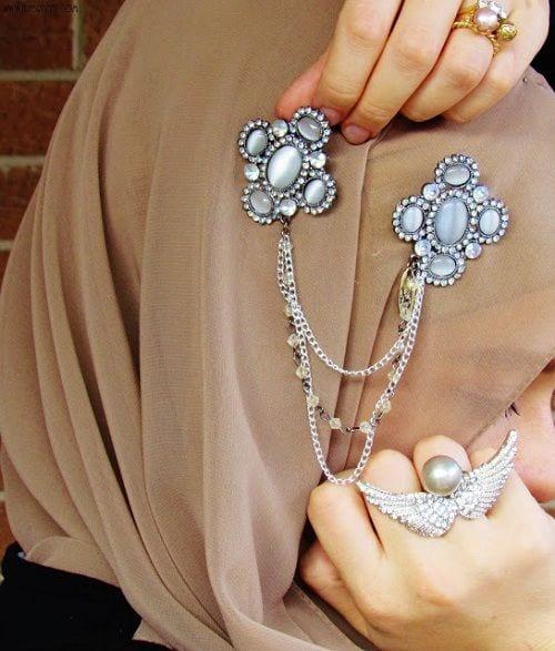 Hijab Accessories25 ways to Accessorize Hijab With Jewelry