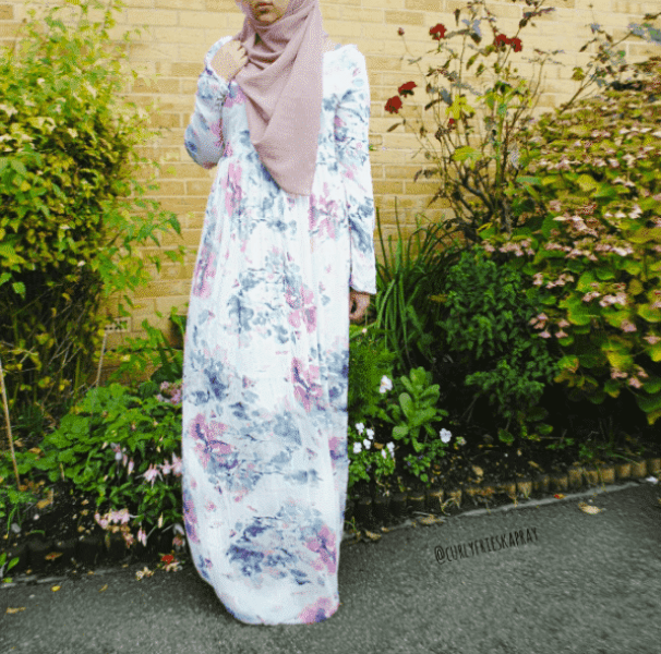 floral-work-outfit-for-hijabis Hijab office Wear - 12 Ideas to Wear Hijab at Work Elegantly