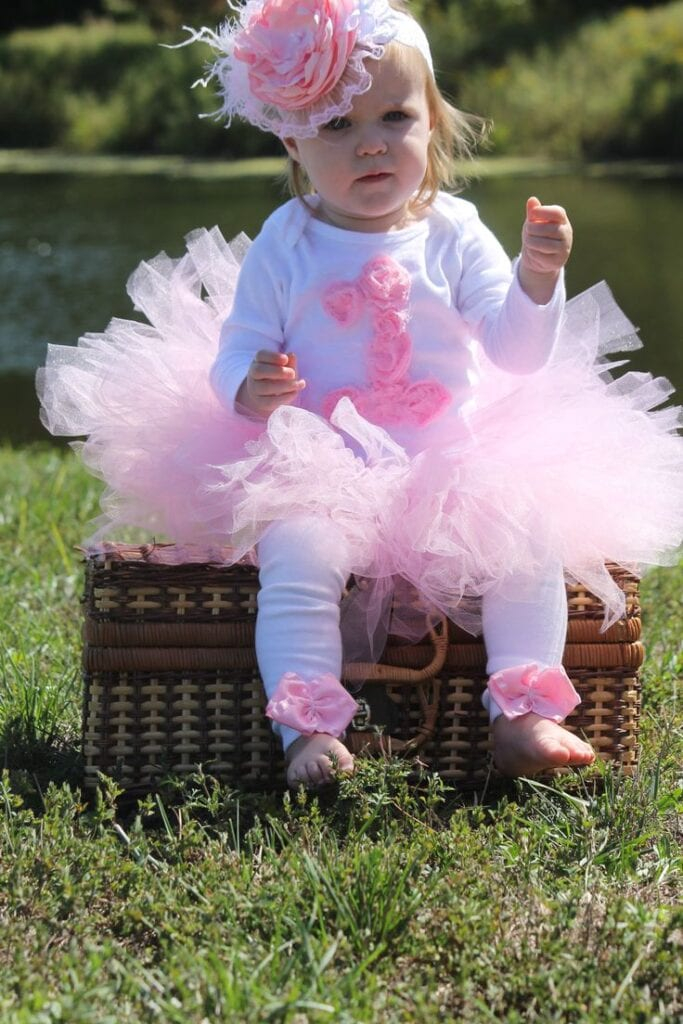 17 Cute 1st Birthday Outfits For Baby Girl All Seasons