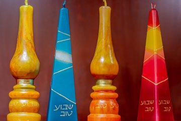 MazelTogether-candles-shabbat