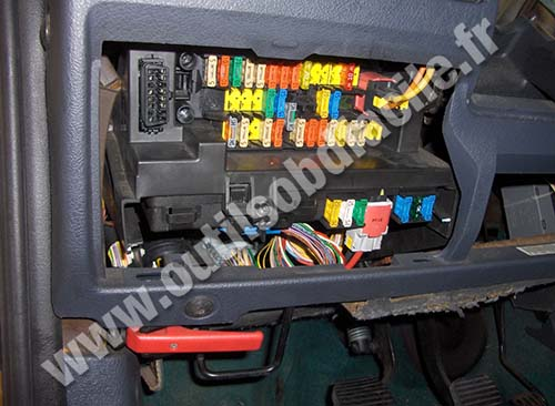 obd port wiring diagram wind turbine charge controller circuit obd2 connector location in citroen berlingo i (1996 - 2008) outils facile