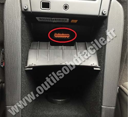 citroen c5 tailgate wiring diagram john deere 4440 air conditioning obd2 connector location in c6 2005 2012 outils obd facile socket