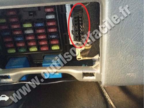 obd2 wiring diagram cat 5 uk connector location in hyundai santa fe 1 phase 2000 2005 obd plug
