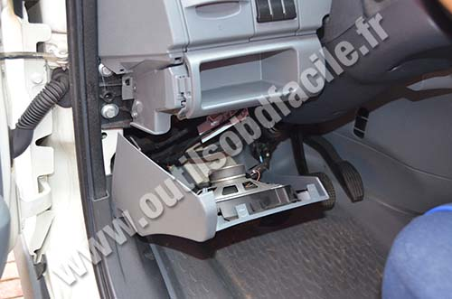 2014 Volvo Truck Fuse Box Obd2 Connector Location In Iveco Daily 2009 2013
