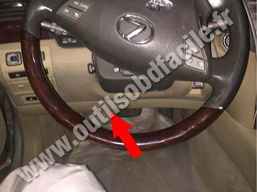 OBD2 connector location in Lexus LS 460 2006  2017  Outils OBD Facile
