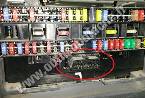mitsubishi galant fuse box diagram 2001 ford explorer sport trac obd2 connector location in canter (2005 - ...) outils obd facile