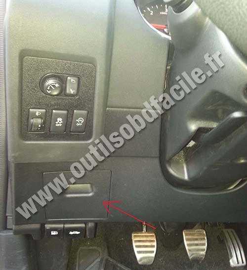 nissan almera 2004 stereo wiring diagram 1986 porsche 944 radio obd2 connector location in qashqai 2007 2013 outils obd dashboard