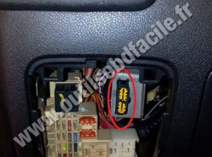 OBD2 connector location in Renault Master 3 (2010  2014