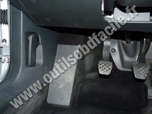 2010 Beetle Fuse Box Obd2 Connector Location In Volkswagen Passat B6 2005