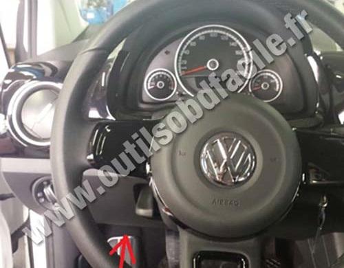 2013 Volkswagen Beetle Fuse Box Obd2 Connector Location In Volkswagen Up 2011