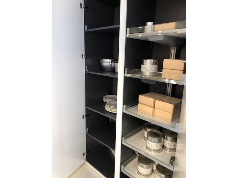 Cucina bianca moderna ad isola Materika laccato Pedini