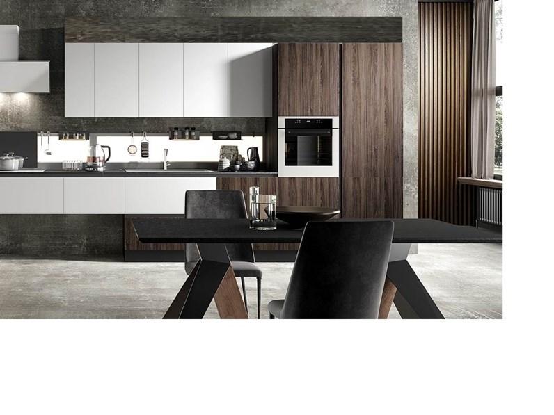 Consigli e suggerimenti per abbinare il colore delle pareti ai mobili della tua. Cucina Bianca Moderna Lineare Bianca E Noce Dark Nuovi Mondi Cucine