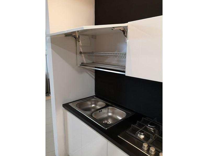 Cucina bianca moderna lineare Cucina laccata Nova cucine