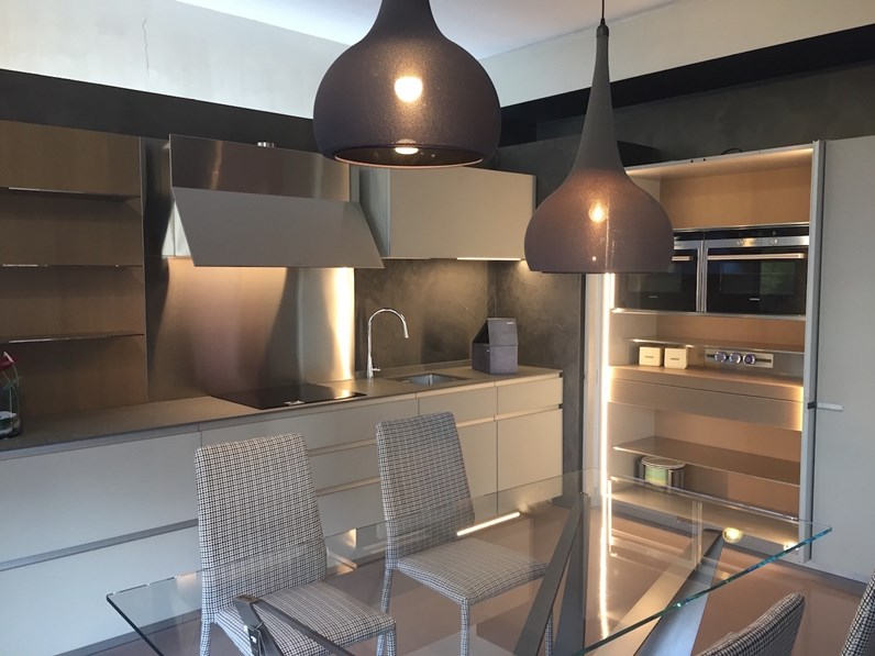 Cucina design lineare Ernestomeda Icon a prezzo ribassato