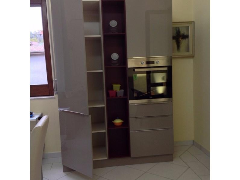 Cucina doppia parete 150270 cm in stile moderno con elettrodomestici