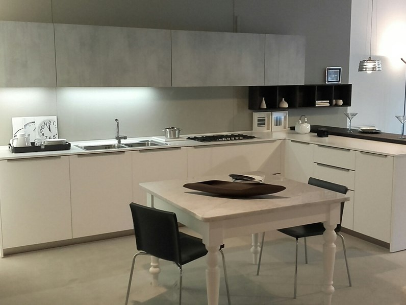 Cucina in laccato opaco Euromobil a PREZZI OUTLET