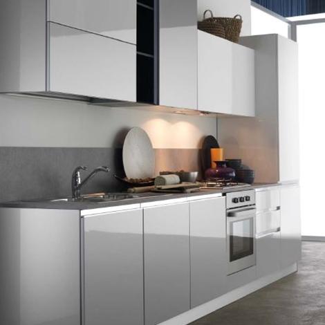 Cucina lineare Astra Cucine modello Combi laccata opaca