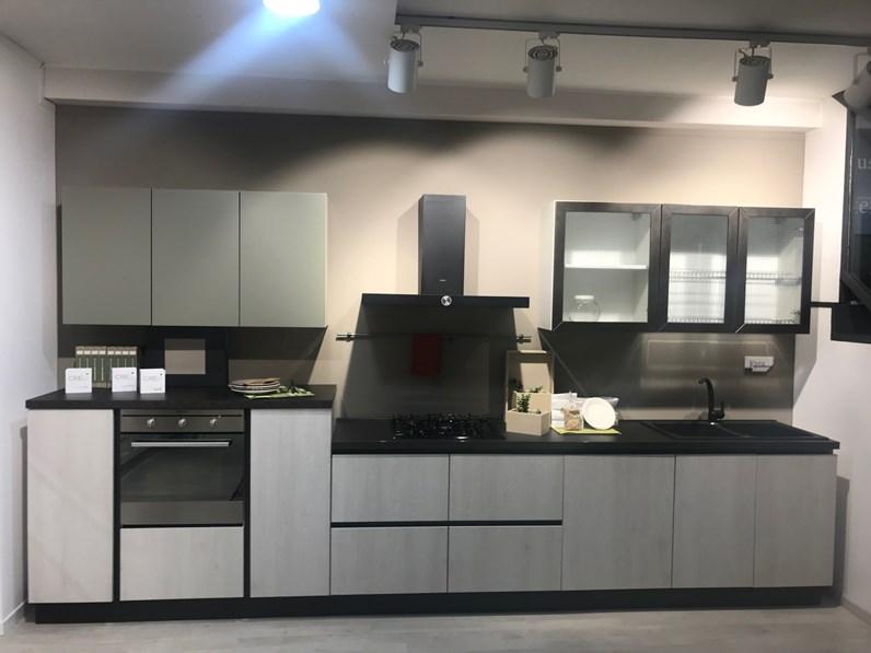 Cucina moderna lineare Creo kitchens Kira a prezzo ribassato