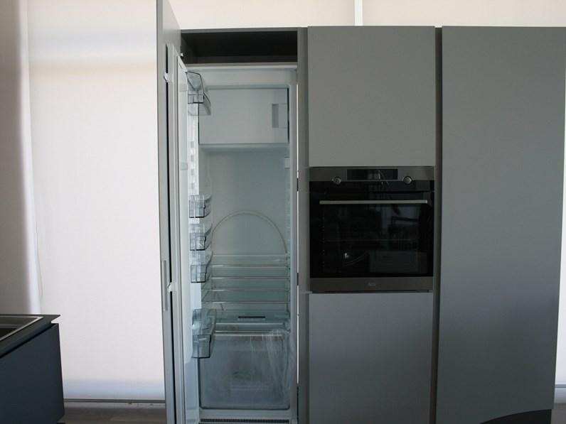 Cucina Obliqua di Ernestomeda in FENIX
