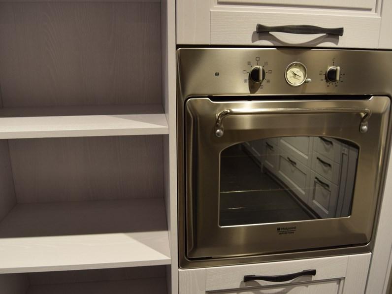 Cucina provenzale bianca Stosa cucine ad isola Virginia in