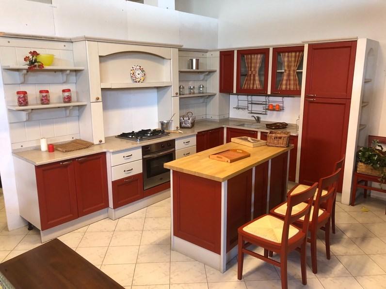 Cucina rossa country ad isola Cucina country artigianale in legno