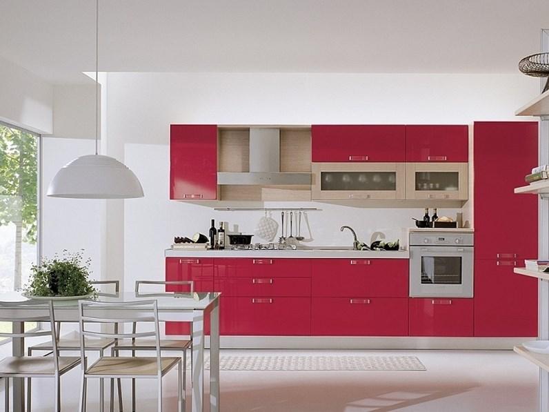 Cucina rossa moderna lineare Cucina modmaril in polimerico lucido rossa scontata del 30 S75