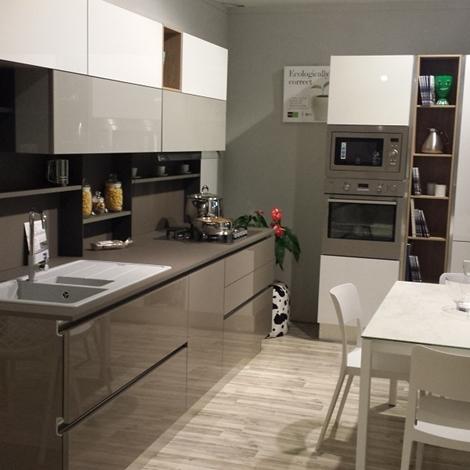 Cucina Stosa Cucine Alev rinnovo esposizione  Cucine a prezzi scontati